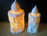 Porzellankerze (hier im Bild links die große Variante)