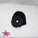 Mütze schwarz m. XL Blüte 0-2J