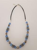 Halskette mit Glasschliffperlen