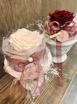 Rose im Keramiktopf