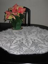 #1016 Traumhafte Tischdecke in weiß 70 cm