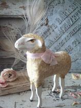 RAR: Sehr großes altes Wollschaf