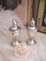 Dekoratives Set Salz + Pfefferstreuer Sterling Silber England