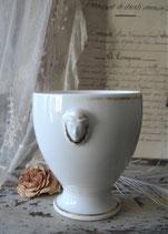 Zauberhaft: Antiker Porzellan Sucrier aus Frankreich