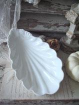 Antike Porzellan Anbietschale / Muschelschale Frankreich