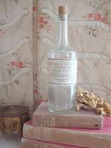 Dekorative alte Parfümflasche aus Frankreich