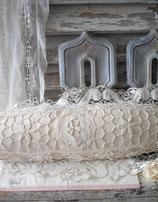 Schönes altes Kissen Richelieu aus Frankreich