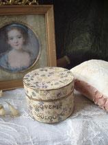 Wunderbare runde alte Pappdose Frankreich um 1900