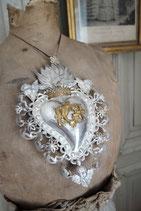 Großes antikes Votiv / Flammendes Herz mit Krone