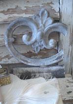 Shabby: Ornament / Stück altes graues Zinkfries Frankreich