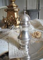 Dekorativer versilberter Pfefferstreuer aus Frankreich