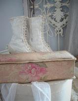 Shabby: Alte florale Handschuhschachtel aus Frankreich