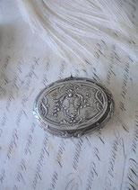 Antike versilberte Puderdose Monogramm H Frankreich