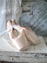 Sooo shabby: Alte Ballettschuhe / Spitzenschuhe