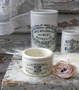 Shabby: Altes kleines Keramik Töpfchen aus England 1900