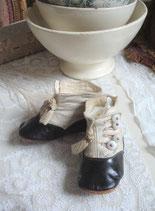 Süße antike viktorianische Baby Knopfschuhe