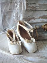 Sooo shabby: Zauberhafte Mädchen Schuhe mit Schleife