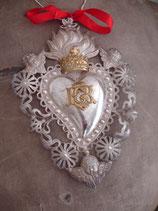 Antikes großes Votiv / Flammendes Herz mit Krone