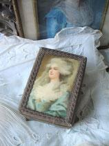 RAR: Zauberhafte kleine Stoffdose mit Portrait aus Frankreich