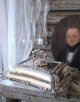 Antiker versilberter Speisenteller mit Deckel aus England