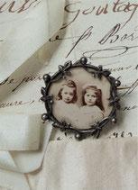 Süße kleine Foto Brosche um 1900 aus Frankreich