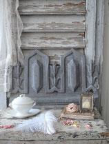 Shabby: Altes graues Fensterfries Zink Frankreich