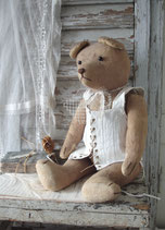 Dekorativer alter großer Teddy
