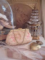Zauberhaftes kleines Täschchen mit Rosen 1930