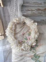 Shabby: Antiker Brautkranz aus Stoffblumen Frankreich 1900