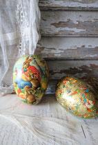 Zwei vintage Pappmaschee Eier Candy Container
