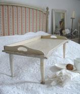 Shabby: Wunderbares altes Bett Tablett aus Frankreich