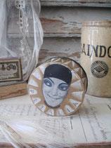 Begehrte alte runde Puderdose Pierrot Frankreich