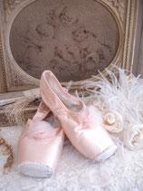 Zertanzte alte Ballettschuhe Tüll