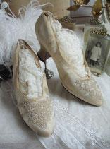 Antike Seiden Brautschuhe um 1900