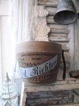 Dekorative alte Hutschachtel inkl. Zubehör