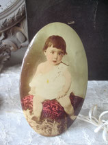 Süßes antikes Metall Sepia Babyfoto Frankreich 1900