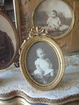 Antiker ovaler Messing Bilderrahmen Louis XVI Frankreich