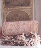 Shabby: Alte florale Couture Schachtel aus Frankreich
