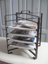 Shabby: Alter Tarte Ständer /Transportständer aus Metall Frankreich