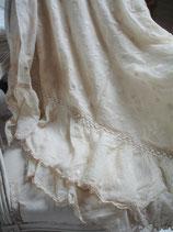Wunderschöner antiker Tüll Bettüberwurf Frankreich