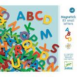 Holz Magnete: 83 kleine Buchstaben von DJECO