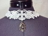 Weißes Halsband Spitze Spinne