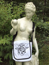 Kindergartentasche bestickt mit Piratenkopf