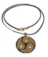 Halskette Anhänger Peitschenrad Triskele gold