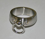 BDSM Ring der O mit 2 Steinchen, klar