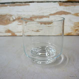 Glas mit Fuss