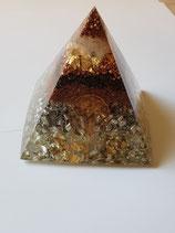 Orgonit-Pyramide, handgefertigt