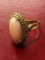 Anello in oro 18 Kt con corallo rosa