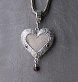 HBg4 Heartbeat groß mit aufwändiger Gravur und Edelsteinen