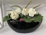 Blumen weiss in Hochglanzschale schwarz Nr 127